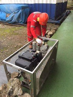 Dilakukan pengisian ulang udara bersih ke dalam tabung SCBA